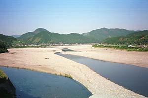 広大な熊野川