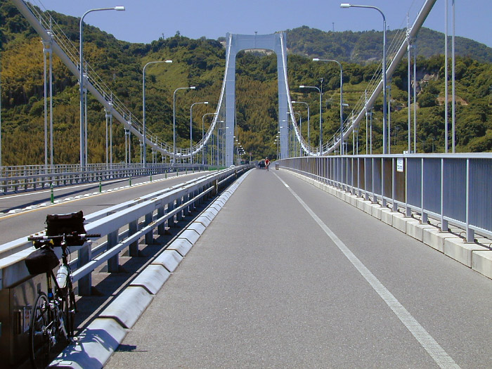 伯方・大島大橋の橋上