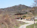 茶臼山を望む