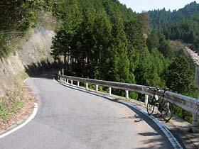 一谷峠への上り