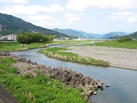 沼江付近の勝浦川