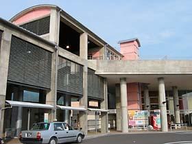 近代的な奈半利駅