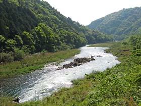粟生付近の有田川