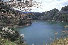 君ヶ野ダムのダム湖
