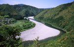 蛇行する北山川