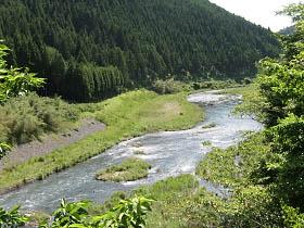 魚ヶ渕付近の桂川