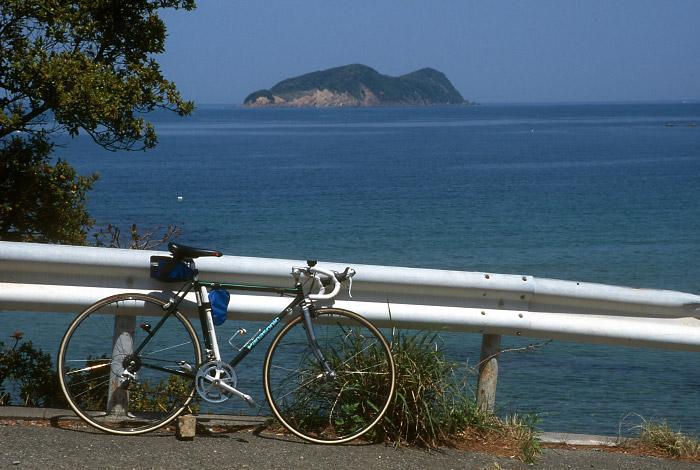 舞子島を望む